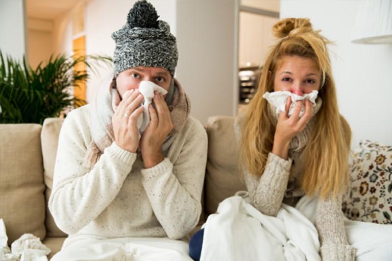 Người bệnh viêm mũi dị ứng và viêm xoang