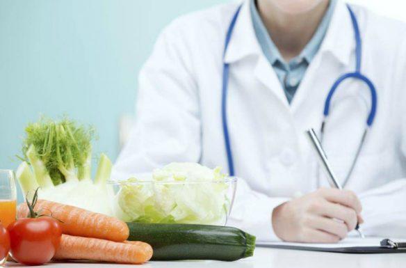 Một số món ăn tốt cho người bệnh vảy nến là canh khổ qua, canh rau má, chè đậu xanh, canh bí đao,...