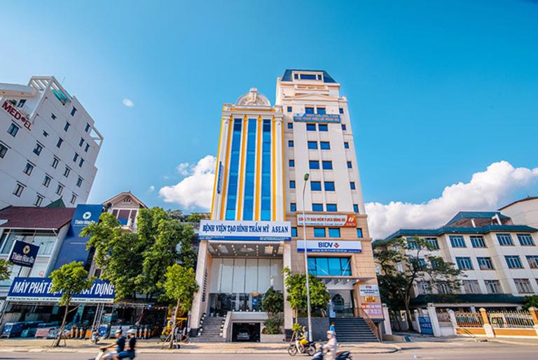 Đội ngũ nhân viên y tế, nhân viên tư vấn và chăm sóc các khách hàng tại bệnh viện Tạo hình Thẩm mỹ Asean