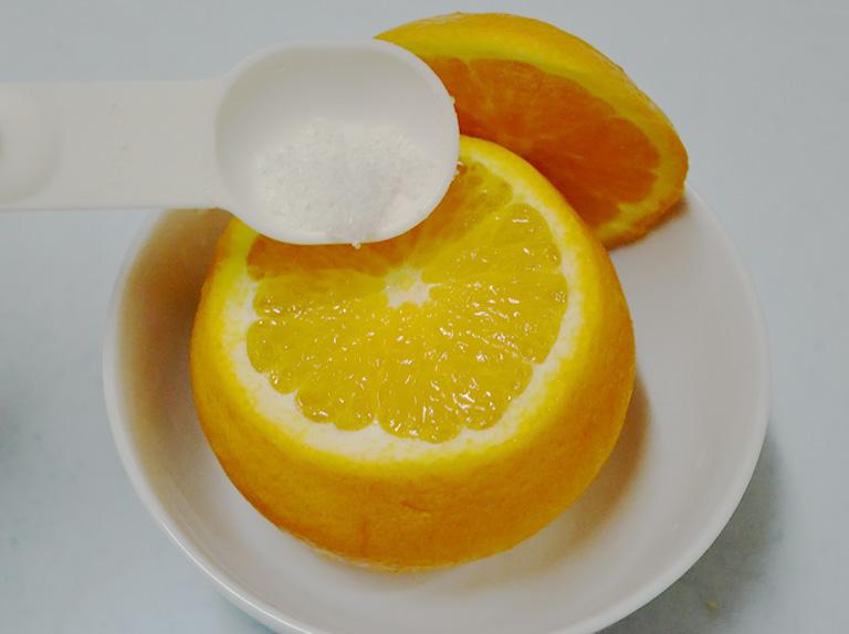 Có thể chữa ho bằng cách dùng quả cam hấp muối