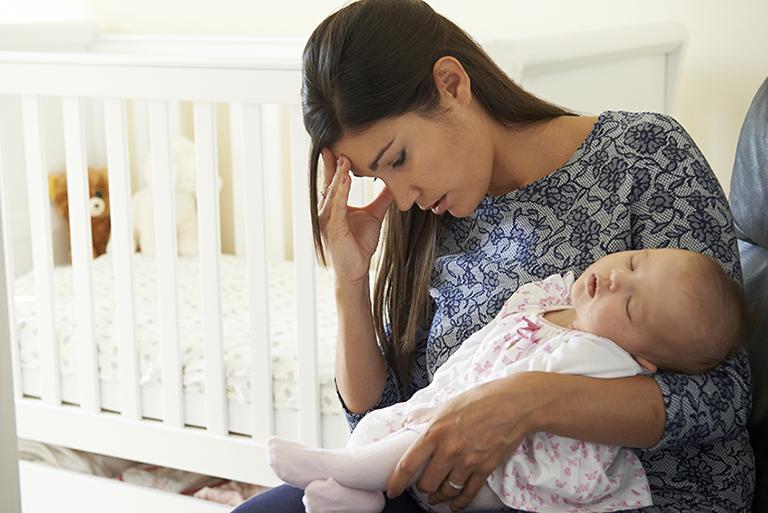 Xương khớp yếu dần sau thời kỳ sinh đẻ là việc không thể tránh khỏi ở các mẹ bỉm sữa