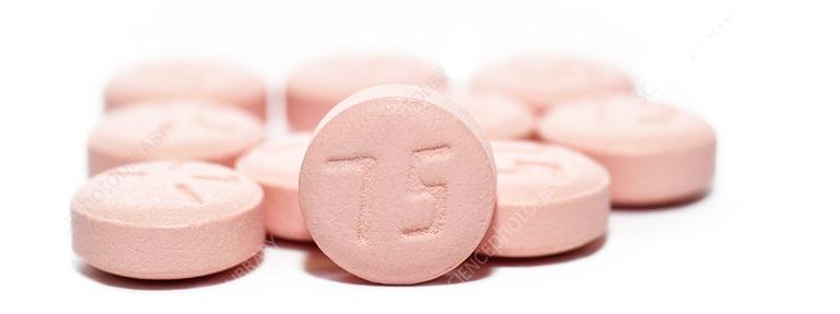Thuốc Clopidogrel được sử dụng theo sự hướng dẫn của nhà sản xuất hoặc theo chỉ định từ bác sĩ