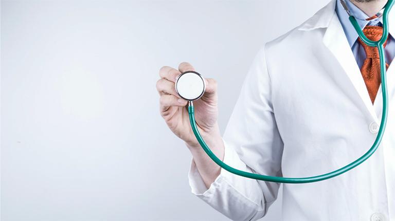 Gặp bác sĩ để được hỗ trợ khi gặp bất kỳ dấu hiệu bất thường nào trong quá trình điều trị bằng thuốc Panangin
