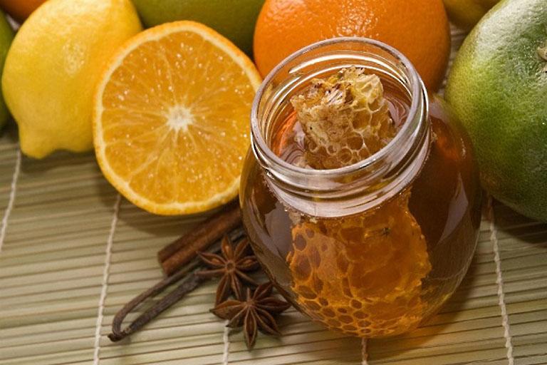 Kết hợp chanh và mật ong có tác dụng chữa ho