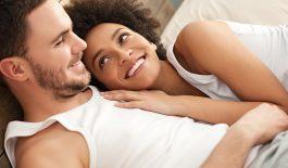 Luôn giữ tâm trạng thoải mái, vui vẻ sẽ giúp làm giảm được chứng liệt dương cho nam giới