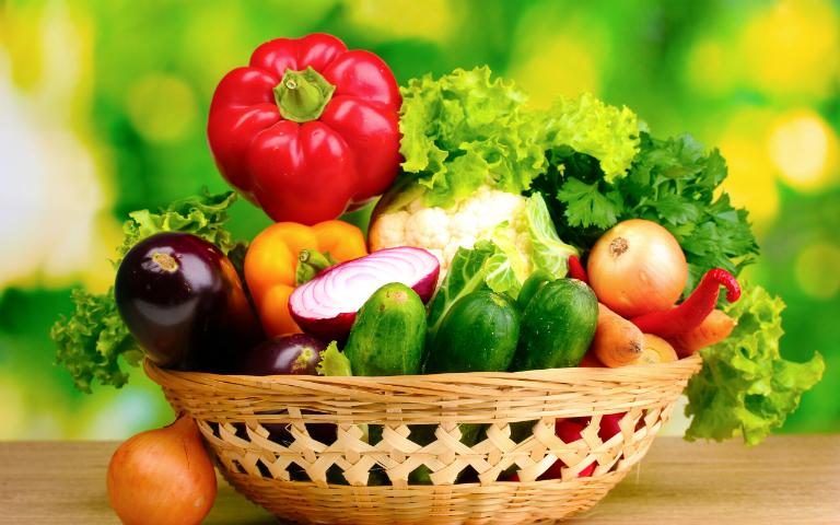 Rau củ tươi xanh là những loại thực phẩm cần thiết trong chế độ dinh dưỡng của người vừa trải qua thụ tinh trong ống nghiệm.