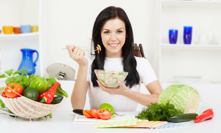 Cần phải có một chế độ ăn hợp lý, đầy đủ dinh dưỡng sau khi thụ tinh trong ống nghiệm để tránh bị sẩy thai.