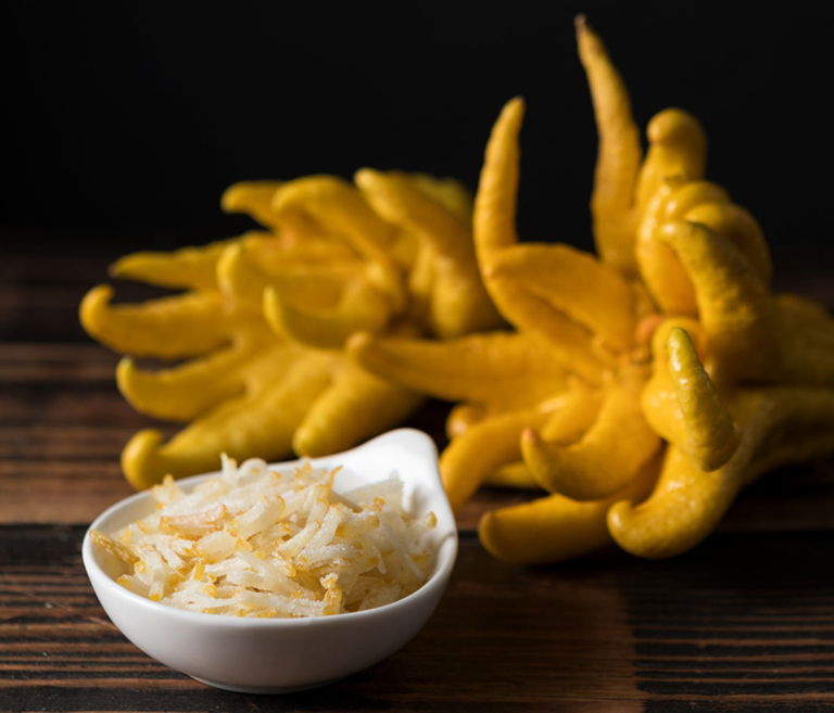Vị chua của quả phật thủ được bị ngọt của mật ong và đường phèn làm dịu lại