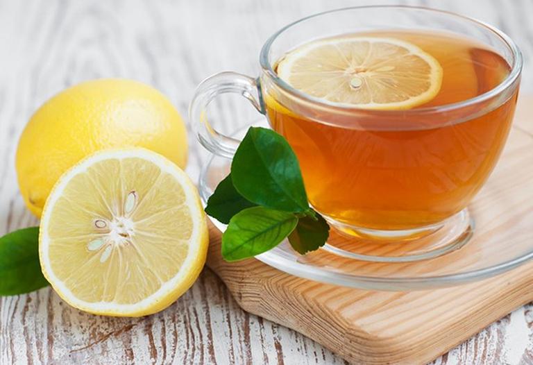 Bài thuốc điều trị ngứa cổ họng gây ho từ mật ong và chanh tươi