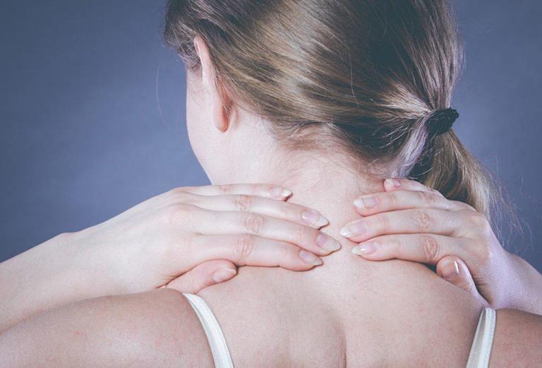 Người bị đau vai gáy nên ăn gì tốt?