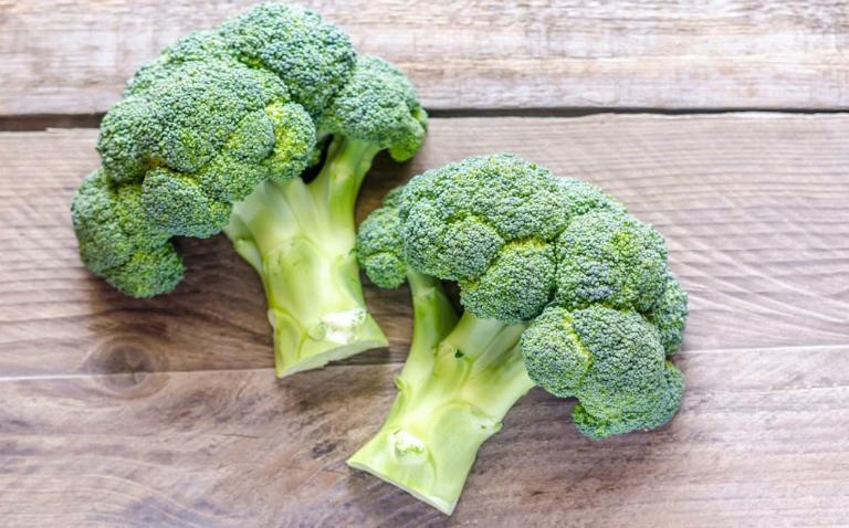 Bông cải xanh kết hợp với gan lợn sẽ giúp chữa khỏi chứng rối loạn cương dương ở phái mạnh.