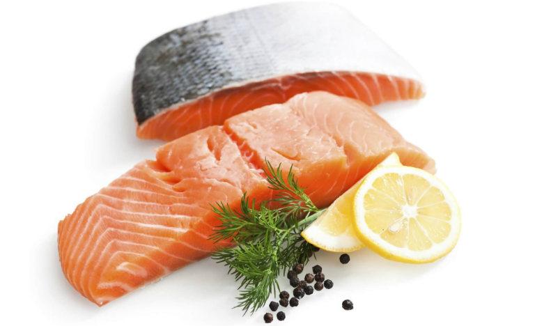 Cá hồi giúp mạch máu giãn nở, giúp máu bơm đầy vào dương vật, giúp nam giới cương dương đạt độ cứng khi quan hệ.