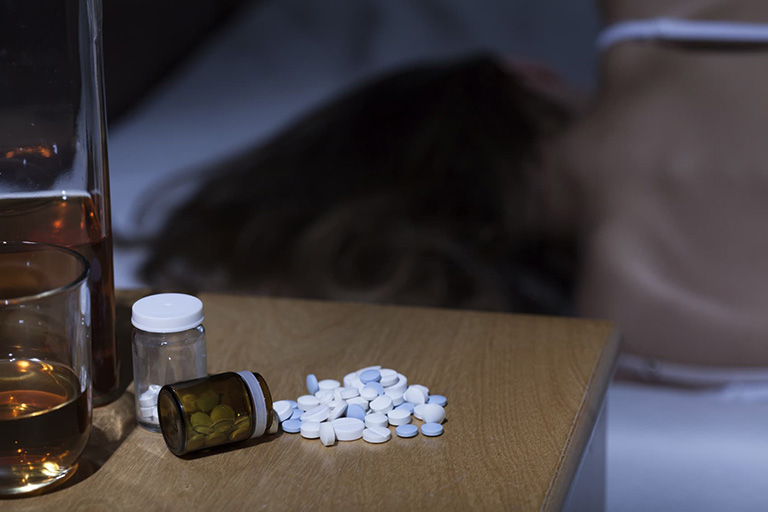 Uống Devomir với rượu có thể gây nguy hiểm cho bệnh nhân
