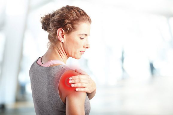 Thông tin về bệnh viêm quanh khớp vai thể đông cứng và cách điều trị