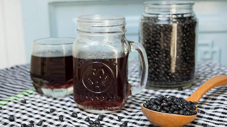 Uống nước đậu đen thường xuyên giúp giảm cân, đẹp da