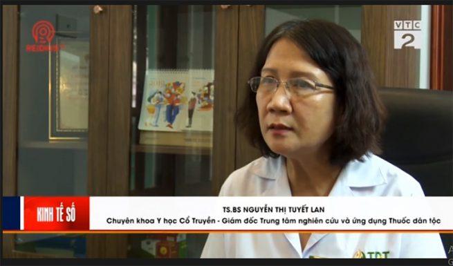 Bác sĩ Tuyết Lan trả lời phóng viên trong phóng sự VTC2 đưa tin về Thuốc dân tộc