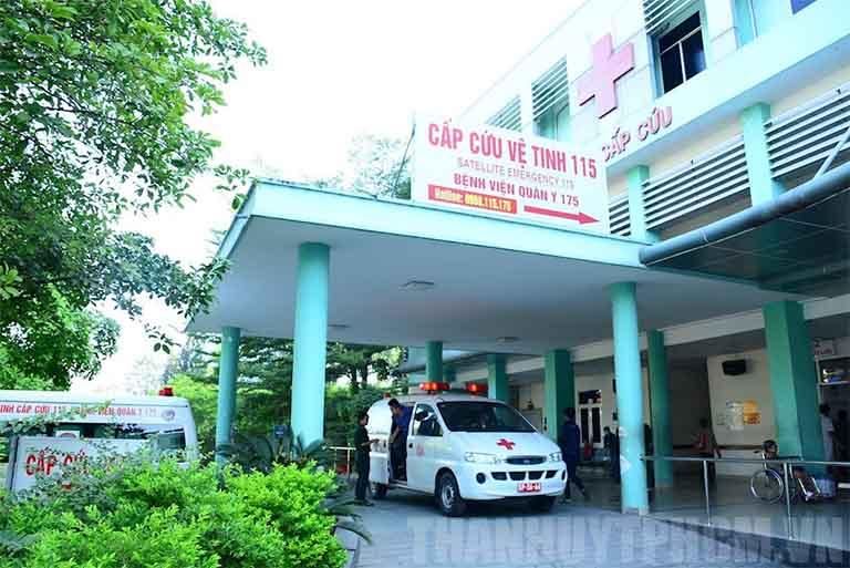 Bệnh viện Trung ương Quân đội 175 tiếp nhận bệnh nhân điều trị chứng đau vai gáy