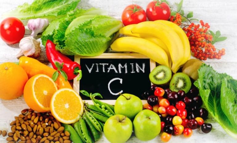 Tăng cường sử dụng thực phẩm giàu vitamin C giúp tăng cường sức đề kháng của cơ thể