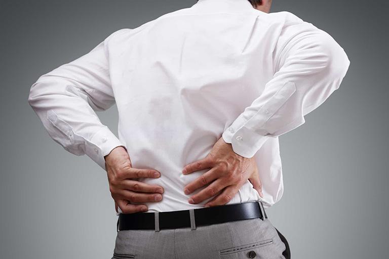 Tùy vào vị trí xương bị bệnh mà các triệu chứng cũng có sự khác nhau
