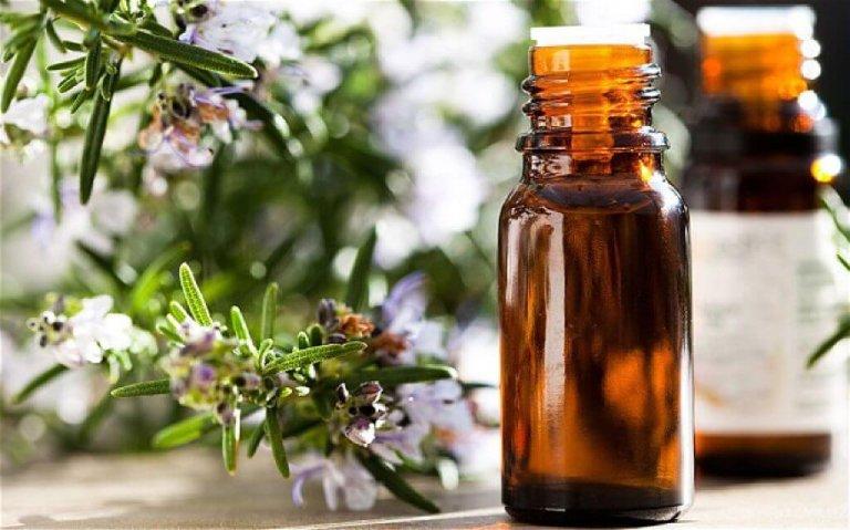 chữa đau vai gáy bằng tinh dầu