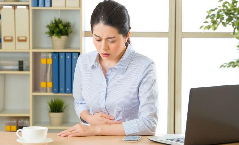 Đau dạ dày là tình trạng dạ dày bị co thắt, đau rát, trào ngược, gây khó chịu, ảnh hưởng đến sinh hoạt thường ngày.