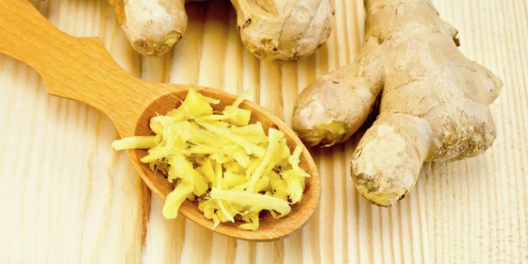 Người bệnh đau dạ dày có thể bổ sung gừng vào bữa ăn để giúp cải thiện tình trạng đau, viêm loét.