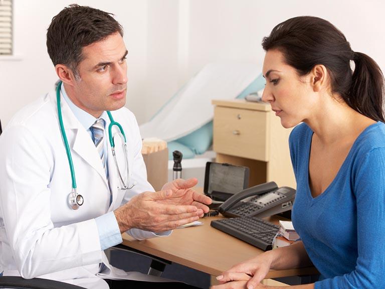 Nên đi khám để được chỉ định điều trị sớm khi thấy cơ thể có các biểu hiện bất thường