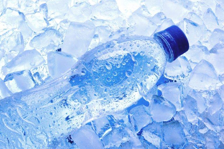 Sau cắt amidan có được uống nước đá?