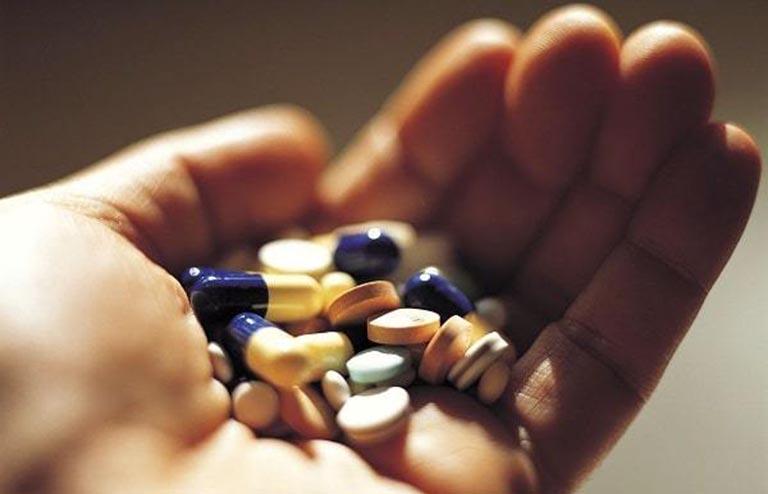 Chữa đau mỏi cai gáy bằng thuốc Tây theo kê đơn của bác sĩ