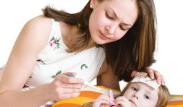 Trẻ bị viêm amidan sốt mấy ngày, có cần đi bệnh viện không?