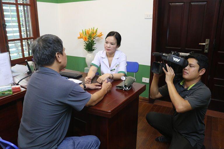 VTV2 ghi hình bác sĩ Nguyễn Lệ Quyên tư vấn khám chữa bệnh