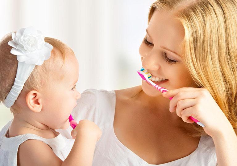 Giữ vệ sinh răng miệng sạch sẽ giúp giảm thiểu được nguy cơ bị viêm amidan