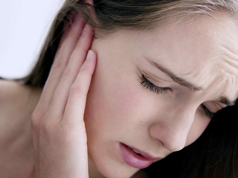 Viêm tai giữa là một trong những biến chứng bệnh viêm amidan