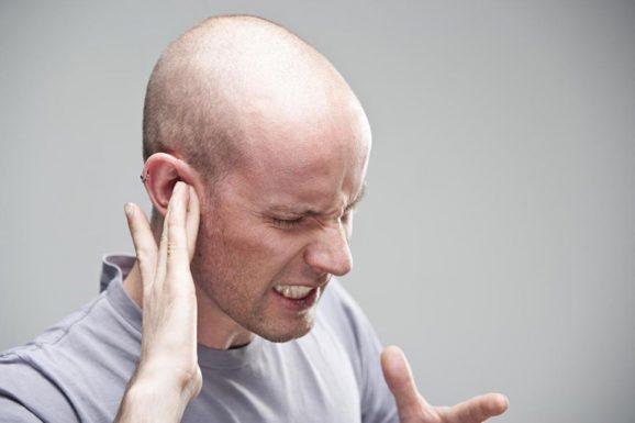 Viêm amidan gây đau tai và những thông tin cần biết