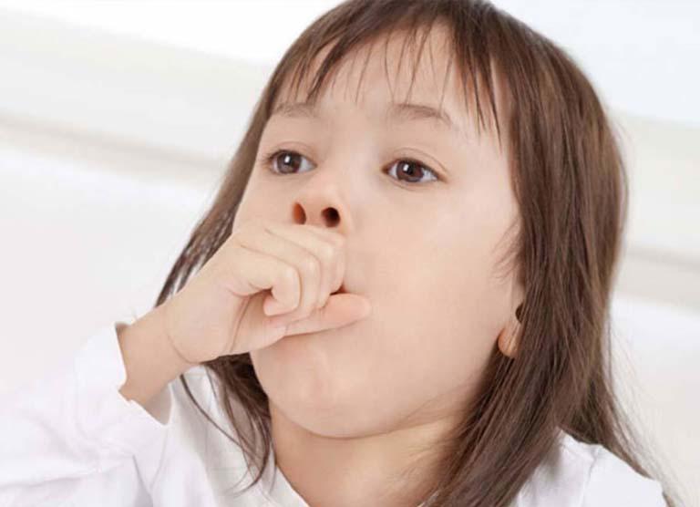 Trẻ bị viêm amidan và ho nhiều thì mẹ nên làm gì?