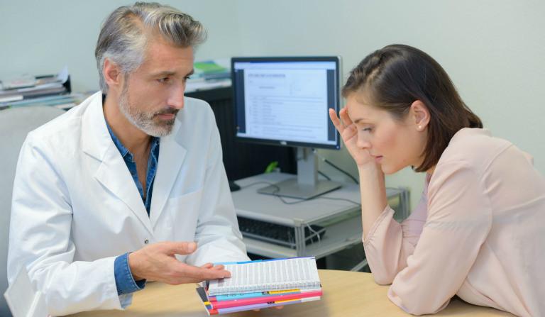 Trước khi nội soi, bệnh nhân không nên tiêu thụ thức ăn từ 6 đến 8 giờ đồng hồ.