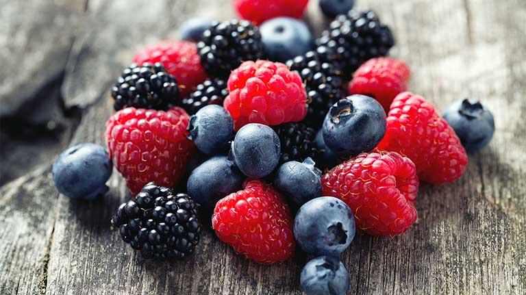 Khi bị viêm đại tràng, bệnh nhân nên ăn các loại quả mọng