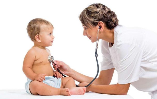 Chăm sóc trẻ bị viêm tiểu phế quản như thế nào cho đúng cách?