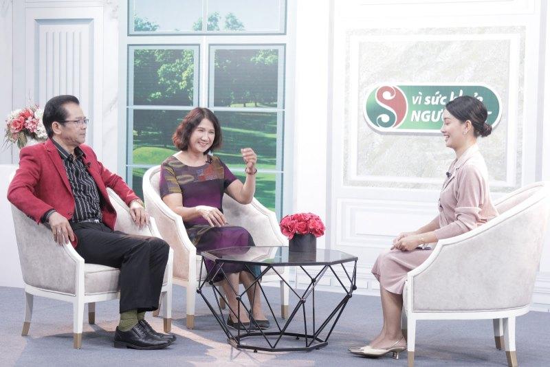 Nghệ sĩ Trần Nhượng và Bác sĩ Tuyết Lan trong chương trình Vì sức khỏe người Việt VTV2
