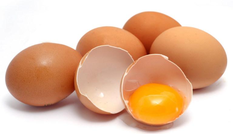 Trứng là loại thực phẩm bổ dưỡng, tốt cho người bệnh viêm đại tràng. Bệnh nhân nên ăn trứng, không cần kiêng kỳ.