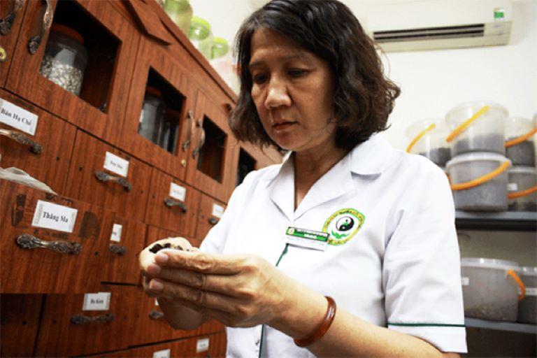 Ths.Bs Nguyễn Thị Tuyết Lan và những câu chuyện bí ẩn về bài thuốc cổ chữa trĩ