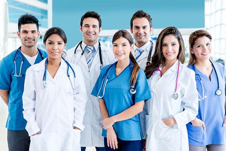 bác sĩ chữa viêm da cơ địa giỏi tại TP HCM và Hà Nội