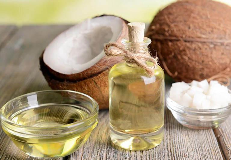 Điều trị bệnh trĩ giai đoạn nhẹ bằng dầu dừa