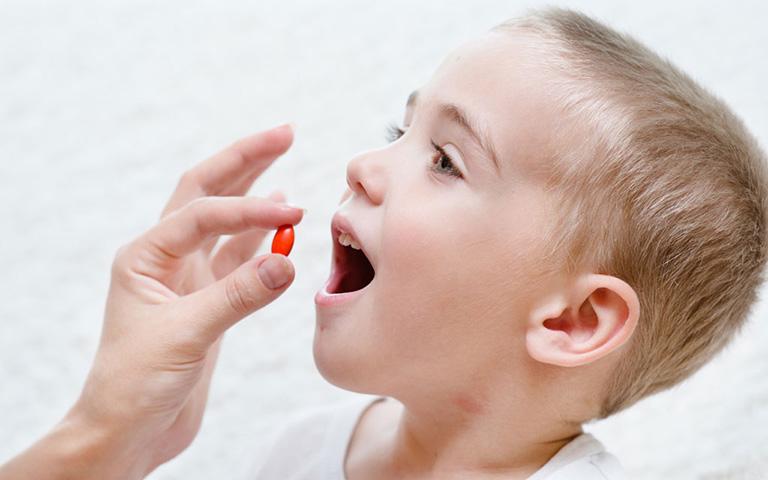 nguyên nhân gây viêm da tiếp xúc ở trẻ