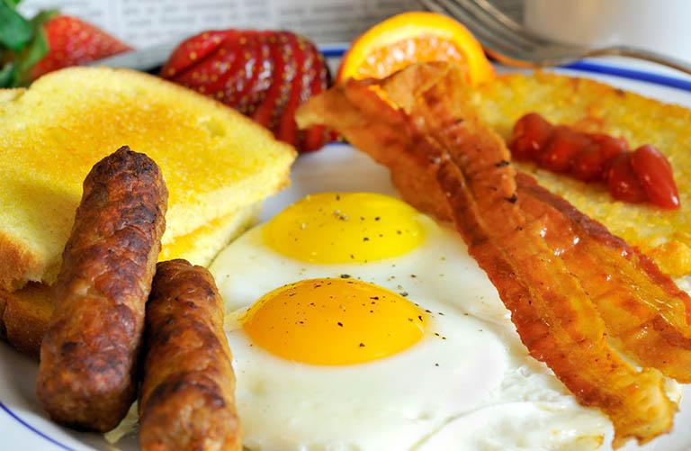 Bánh mì và trứng
