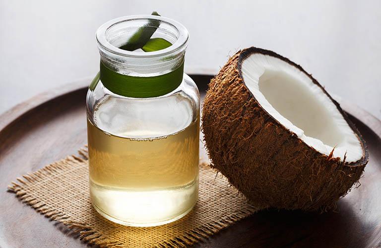 Giảm ngứa do bệnh hắc lào bằng dầu dừa