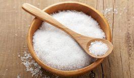 trị viêm nang lông bằng muối