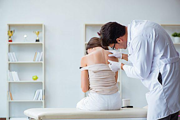 chẩn đoán viêm da cơ địa ở người lớn