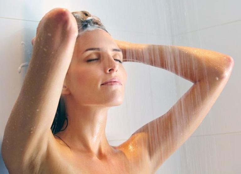 chăm sóc da khi bị viêm da tiếp xúc