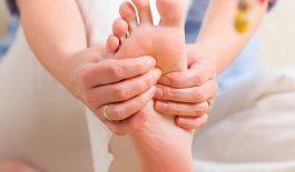ngứa gan bàn chân